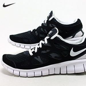 Nike Sneaker Women's Free Run Black + White 8.5